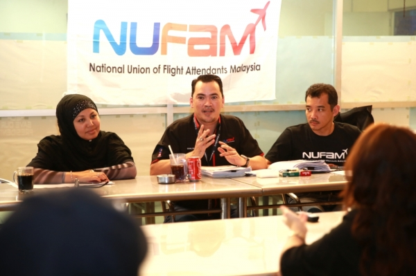 NUFAM President Ismail Nasaruddin holding a press conference at Kayu Nasi Kandar,USJ Taipan 10. — Picture by Saw Siow Feng