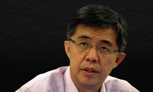 PKR vice-president Tian Chua has asked consumers not to get angry with the service charge and to be fair to these employees who are generally paid very low. — TRP file pic
