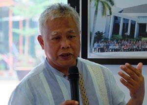 Pengarah Eksekutif Persekutuan Majikan Malaysia Datuk Shamsuddin Bardan melahirkan kebimbangan yang cadangan mengambil sebahagian gaji pekera asing dan dimasukkan ke dalam satu tabung akan meningkatkan kos pengambilan mereka. – Gambar fail The Malaysian Insider, 28 Oktober, 2015.