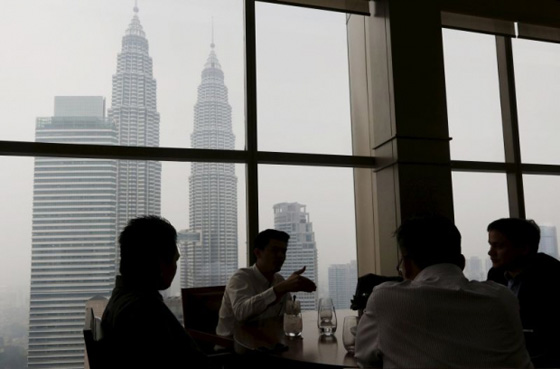 MTUC president Mohd Khalid Atan said that the change in work hours was crucial for employee health in Malaysia. ― Reuters pic