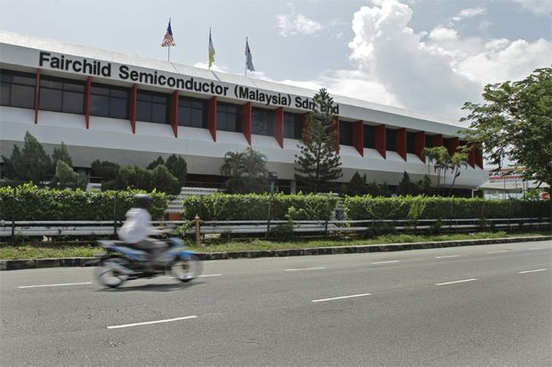 Fairchild Semiconductor's factory in Bayan Lepas. Fairchild is selling the property as the company is winding down operations in Malaysia. About 1,000 set to lose jobs. - Chan Boon Kai/The Star