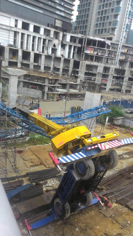 Crane toppled in PJ - TMI
