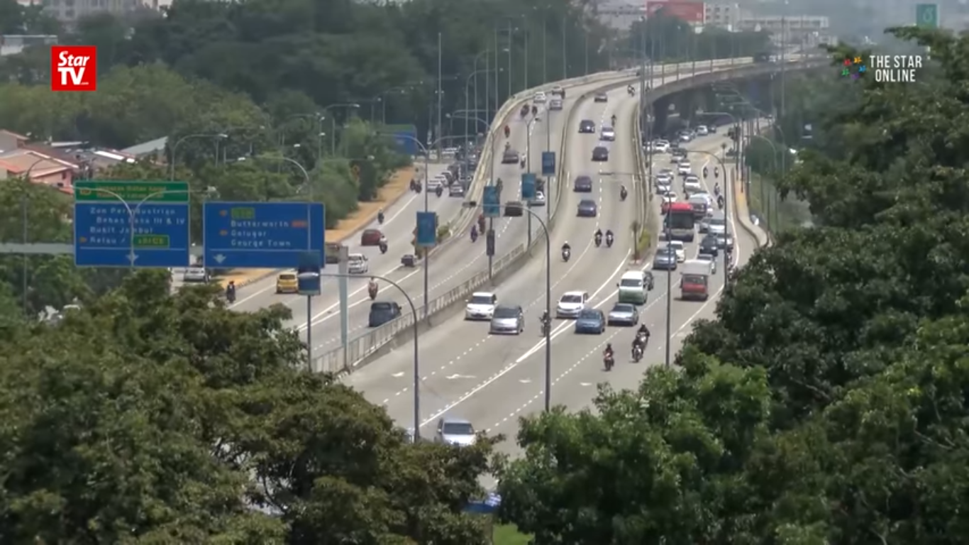 discussing road accidents in malaysia Road accidents malaysia print reference this  disclaimer:  nowadays, road accidents are very common in malaysia everyday we read newspaper we also can saw many news about there are.
